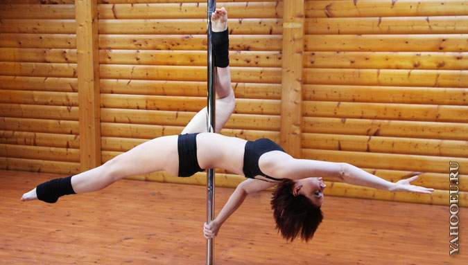 Thirteen POle Dance